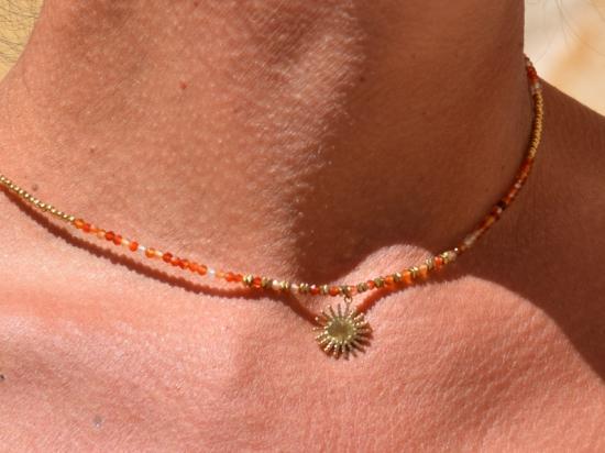 Collier, pierres naturelles, orange