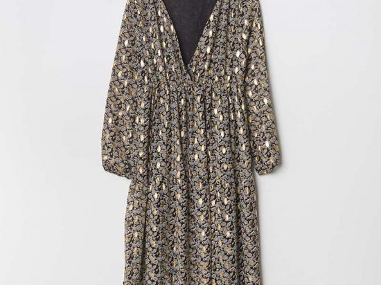 Robe longue, détail dorés (disponible seulement en S/M)