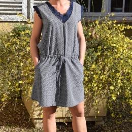 Robe sans manche, dentelle, bleu marine (S/M ou L/XL)