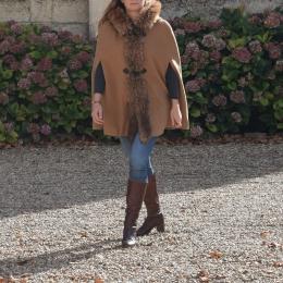 Cape manteau, fourrure de marmotte