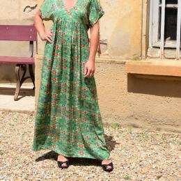 Robe longue, taille unique, fleurie verte