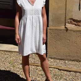 Robe brodée 100% coton, blanche (M ou L)