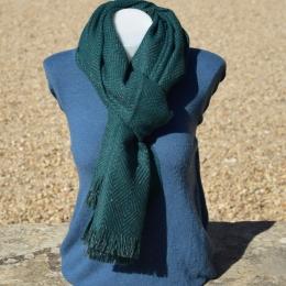 Châle ou écharpe verte à chevron, fil lurex brillant