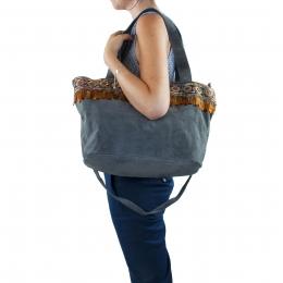 Grand sac à mainen cuir, plumes et galon