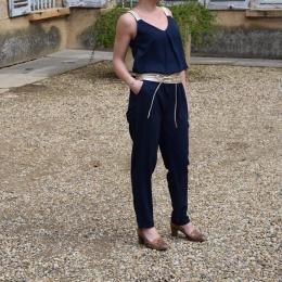 Combi pantalon bleu marine (disponible seulement en L)