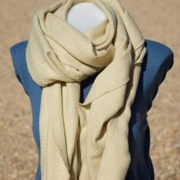 Châle ou écharpe blanche à chevron, fil lurex brillant